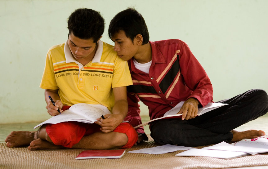 Participants of a Study Circle in Battambang, Cambodia (Photo: Baha'i World Centre)